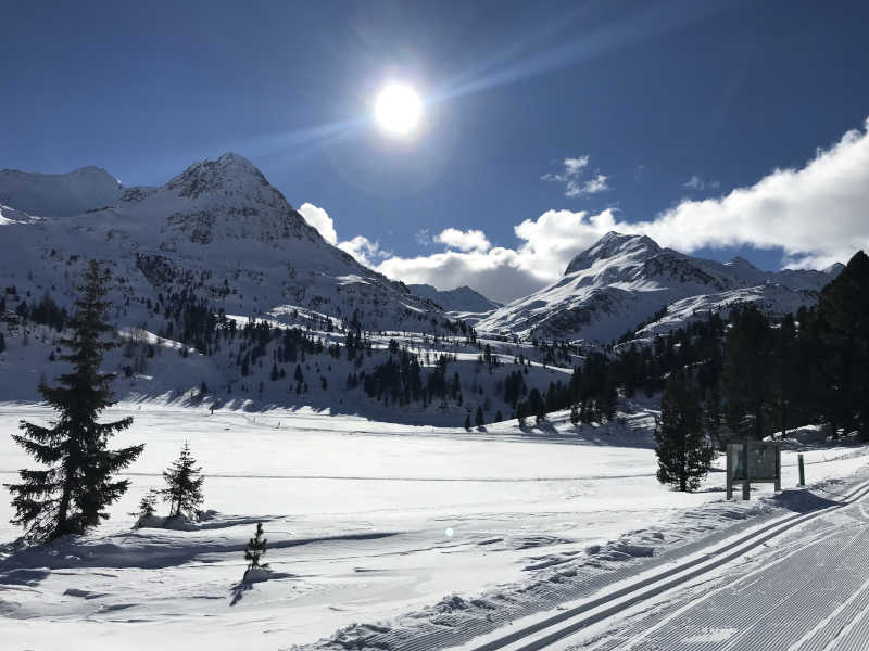 Freizeit - Winterfreizeit - Langlaufen - Symbolfoto